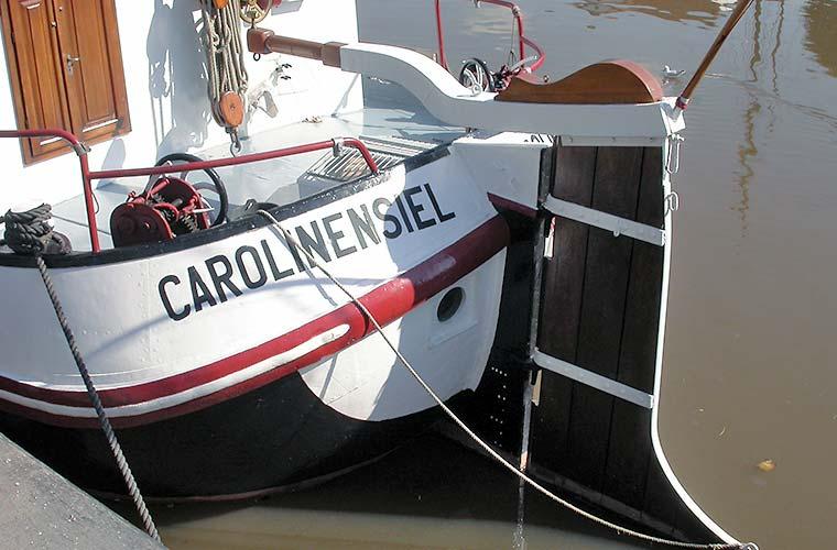 Plattbodenschiff im Museumshafen Carolinensiel