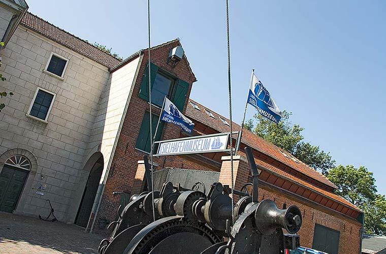 Sielhafenmuseum Alte Pastorei